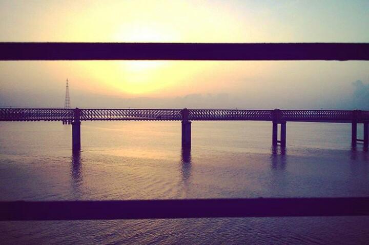 Glad that i dint have a confirm ticket till surat @Golden bridge, Bharuch