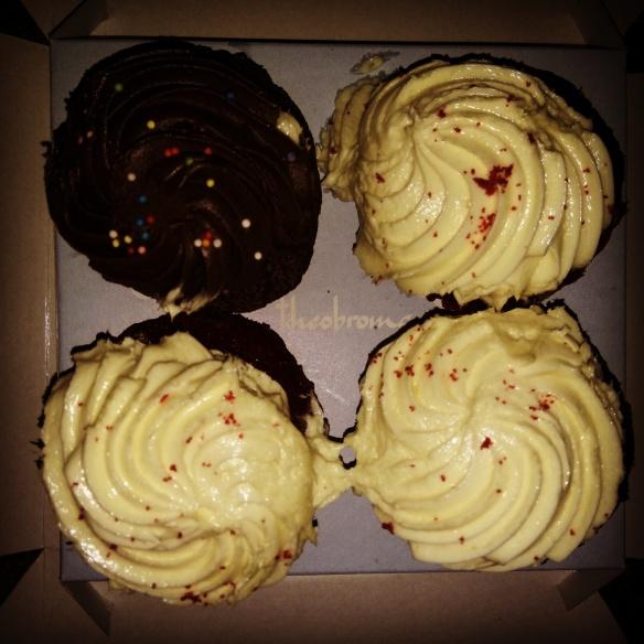 Red velvet and Chocolate cupcakes @Theobroma, Powai