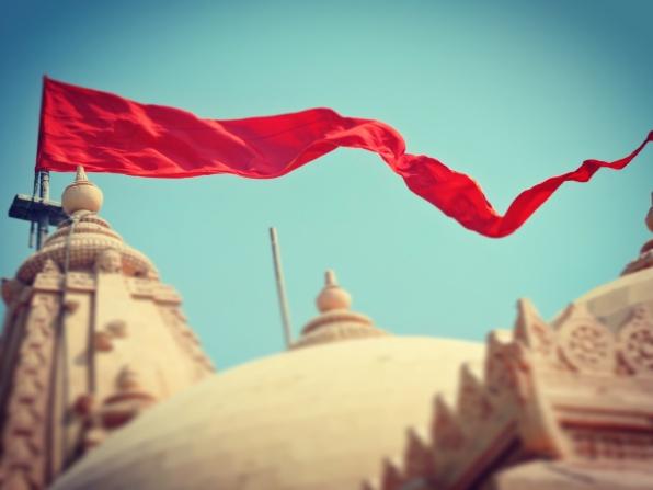 Fluttering flags @kutch